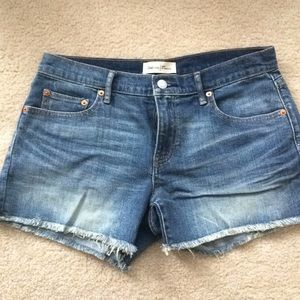 NWOT Gap cutoff denim shorts